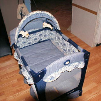 Graco Lite Baby Travel Camping Crib