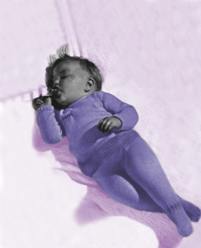 Free baby sleeper knitting pattern.  Knitted gender neutral unisex footed baby sleeper with longs sleeves to knit.
