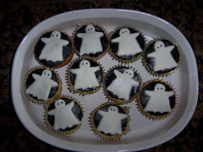 baby angel ghost baby shower cupcakes black fondant cupcake decorating