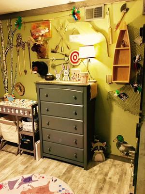 Wall decor in Arrow's forest baby nursery