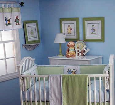 Frog pond baby boy nursery theme ideas in green with froggy reptile baby bedding