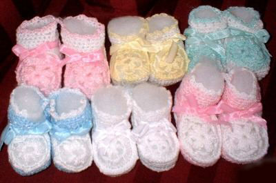 crocheted baby booties boys girls blue pink yellow white pineapple