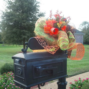 Fall baby shower mailbox decorations to match the entry decor