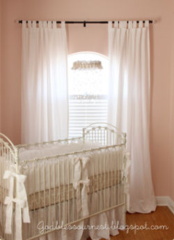 Antique white vintage style metal baby crib bed