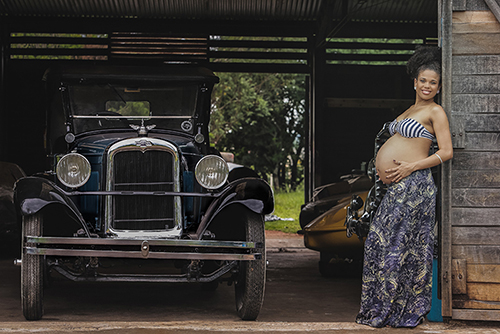 Vintage car theme maternity photo poses posing pregnancy shoot idea