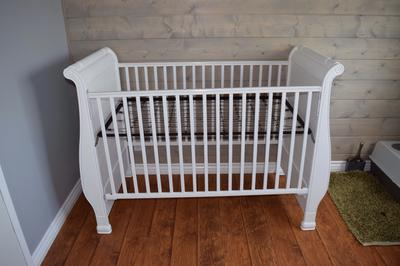 Looking for metal piece for a simmons crib