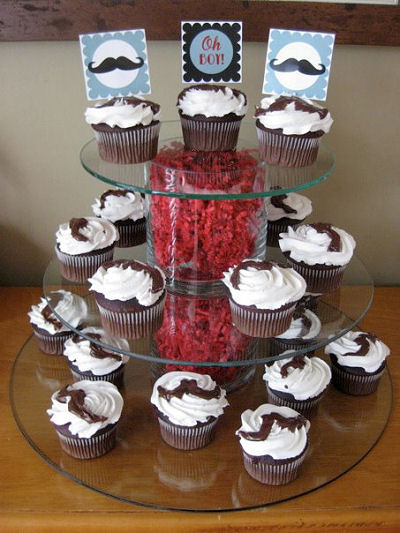 Mustache baby shower cupcakes with printable party circles