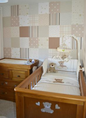 This Mom-to-Be's Do It Yourself patchwork wall covering coordinates with the teddy bear baby bedding set in neutral colors