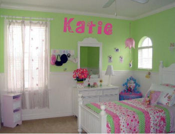 Grass green bedroom bedroom paint colors tips for Pink green bedroom designs