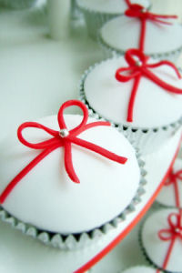 red and white baby shower cupcakes cakes christmas valentines day fondant