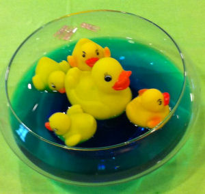 Rubber Duck Baby Shower Centerpieces http://unique-baby-gear-ideas.blogspot.com/2011/01/rubber-duck-baby-shower-decorations.html