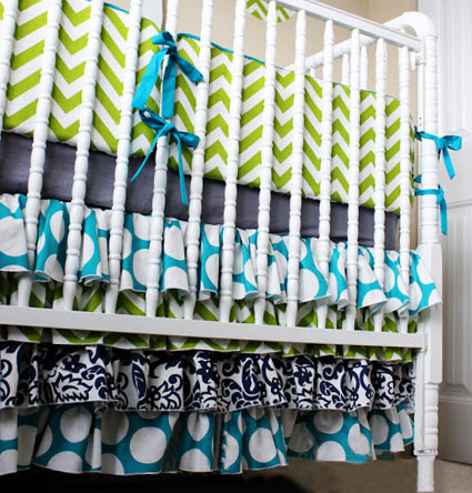 Free ruffled baby crib skirt sewing pattern tutorial DIY