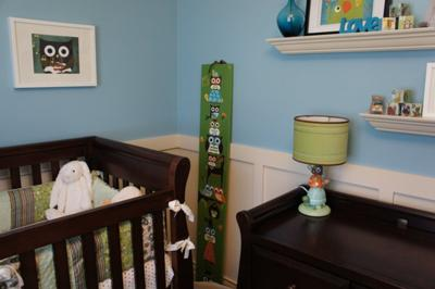 Our crib was made complete with custom made owl baby nursery bedding made from Robert Kaufman owl fabric and green minky material