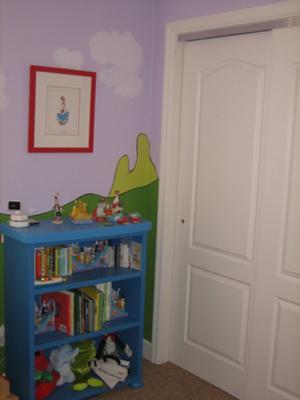 Baby Seuss Nursery Decorating Ideas, Wall Art and Furniture Arrangement