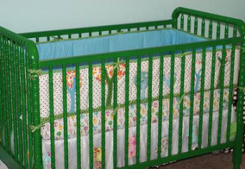John Deere Green baby crib painted with Valspar  Garden Green spray paint from Lowes