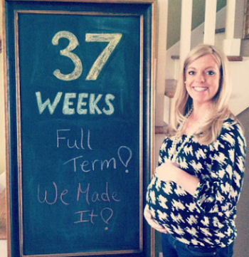 Kristen 37 weeks full term pregnancy picture