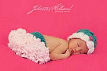 Ruffled newborn baby girl tutu diaper cover and flower petals infant headband set crochet pattern photo shoot photography portrait props