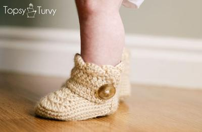 Crochet Baby Ankle Boot with Shell Stitch Edging for a Baby Girl