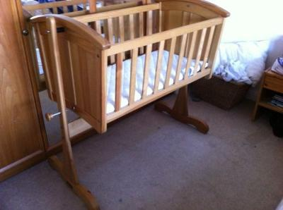 Mamas and Papas Swinging Baby Crib Bed