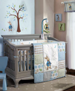 Peter rabbit baby crib nursery bedding sets crib quilt and baby mobile