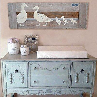 DIY reclaimed wood nursery wall art project for a farm duck baby nursery theme